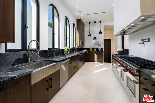 Photo of a kitchen in Los Angeles