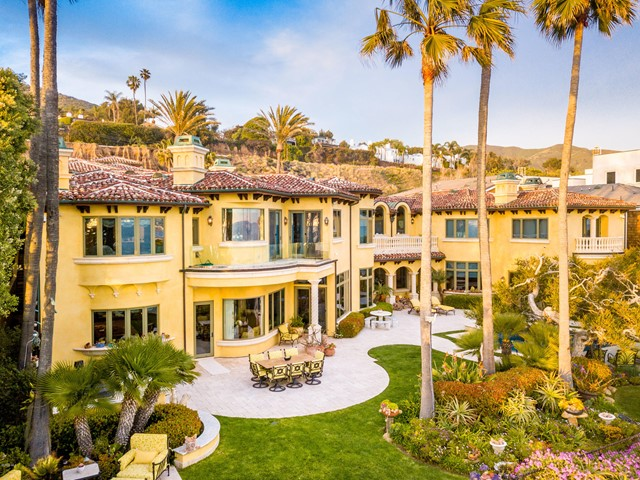 Facade in a $39,000,000 Malibu home for sale