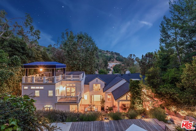 Facade in a $7,850,000 Beverly Hills home for sale