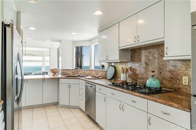 Photo of a kitchen in Manhattan Beach