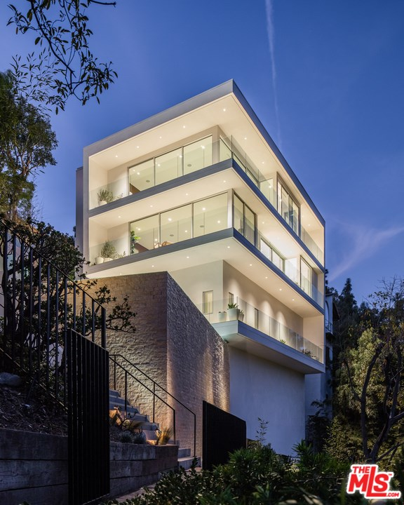 Facade in a $11,495,000 Beverly Hills home for sale