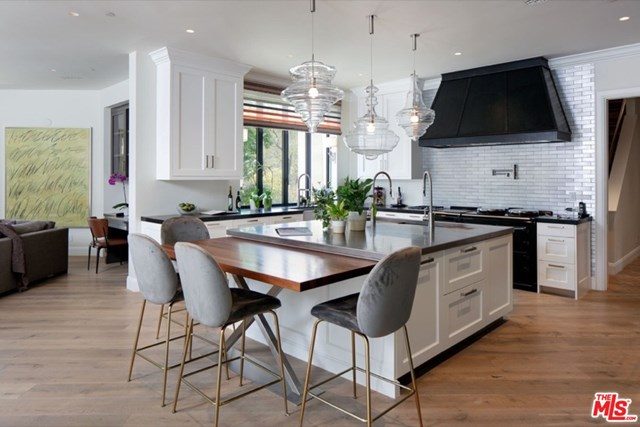 Photo of a kitchen in Beverly Hills