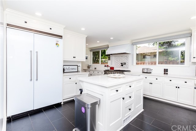 Photo of a kitchen in Pasadena