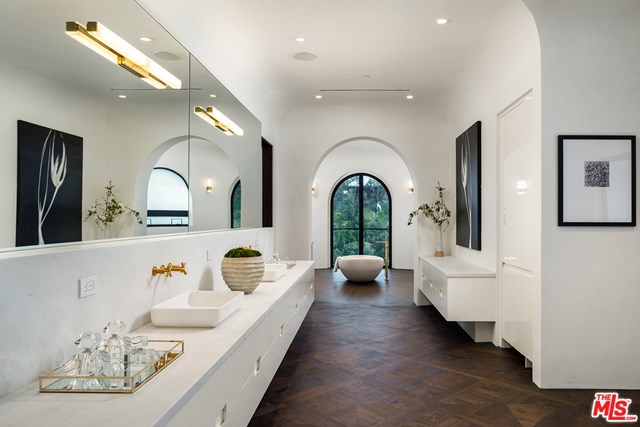 Bathroom in a $78,000,000 Los Angeles home for sale