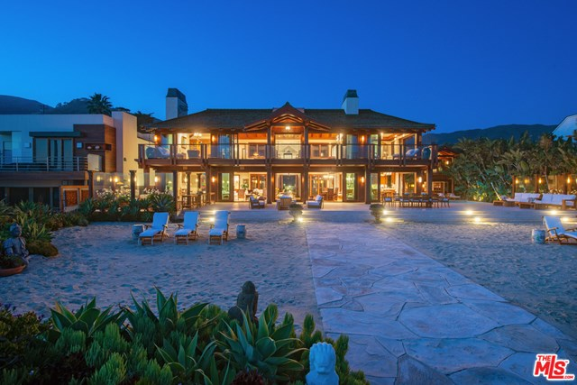 Pool in a $100,000,000 Malibu home for sale
