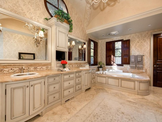 Bathroom in a $48,000,000 Woodside home for sale