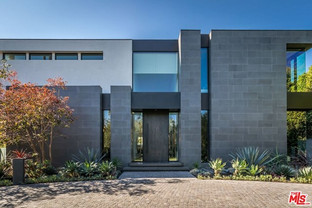 Facade in a $18,500,000 Beverly Hills home for sale