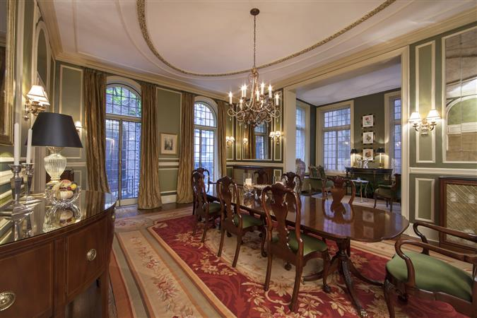 Dining room in a $6,250,000 Chicago home for sale