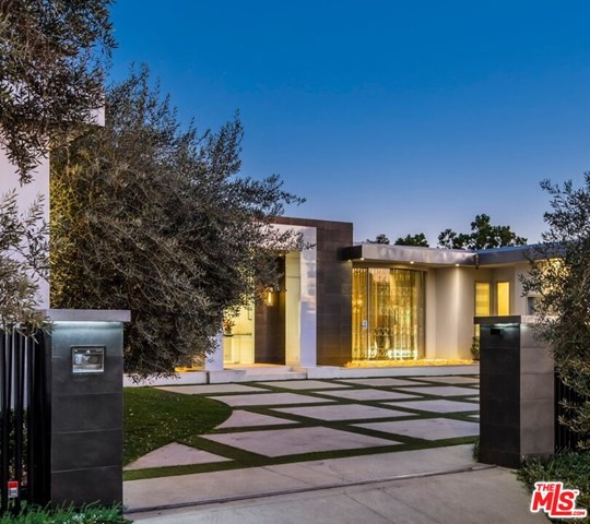 Facade in a $16,999,999 Beverly Hills home for sale