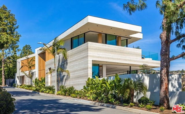 Facade in a $38,000,000 Beverly Hills home for sale