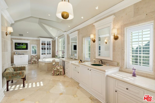Bathroom in a $59,500,000 Los Angeles home for sale