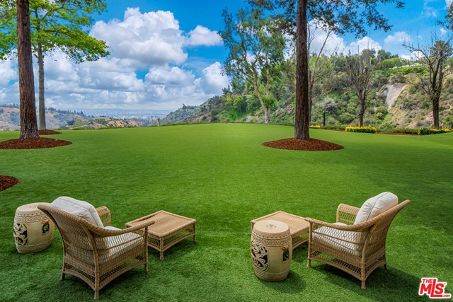 Backyard in a $85,000,000 Beverly Hills home for sale