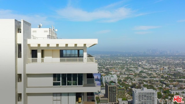 Facade in a $33,500,000 West Hollywood home for sale