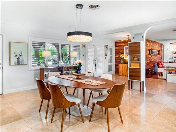 Dining room in a $1,275,000 St. Petersburg home for sale
