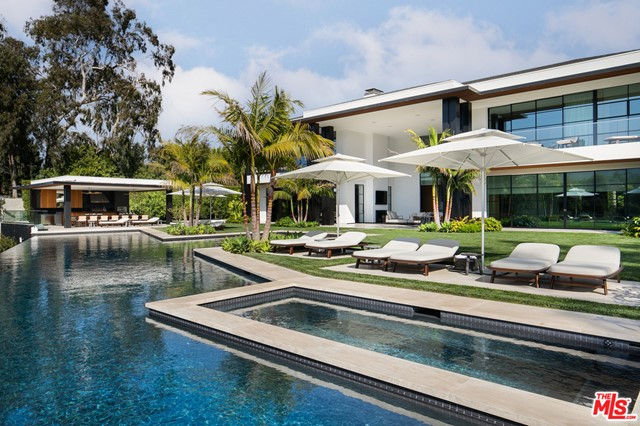 Pool in a $90,000,000 Santa Monica home for sale