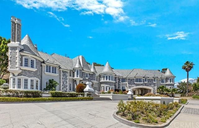 Facade in a $11,200,000 San Juan Capistrano home for sale