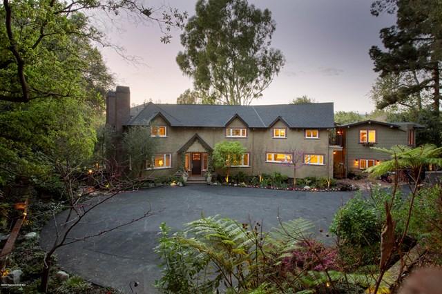 Facade in a $6,995,000 Pasadena home for sale